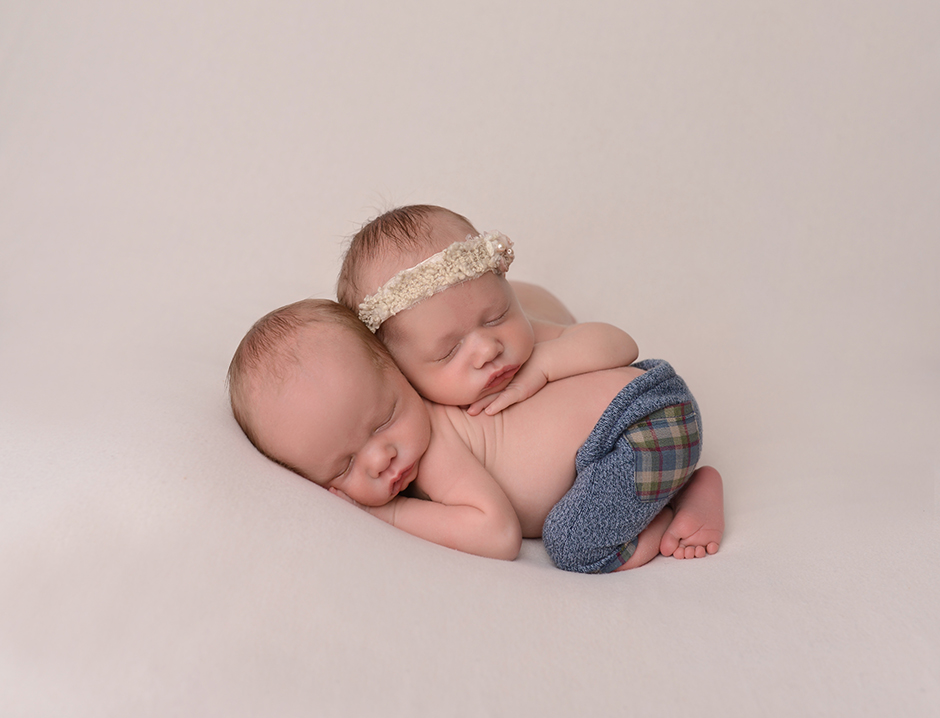 cleveland newborn photographer - newborn - twins