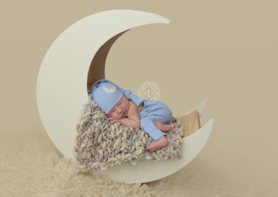 Newborn_photographer_cleveland_ohio_moon_baby_DSC_8368