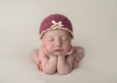 newborn-photographer-cleveland-ohio_8792-1-2